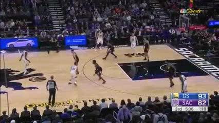 Curry y compañía dieron cátedra contra Sacramento