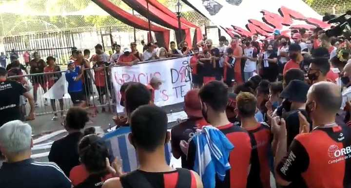 El aplauso de Newell's a Diego
