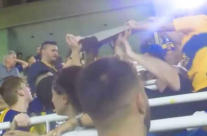 Boca: cayó una chapa en pleno partido