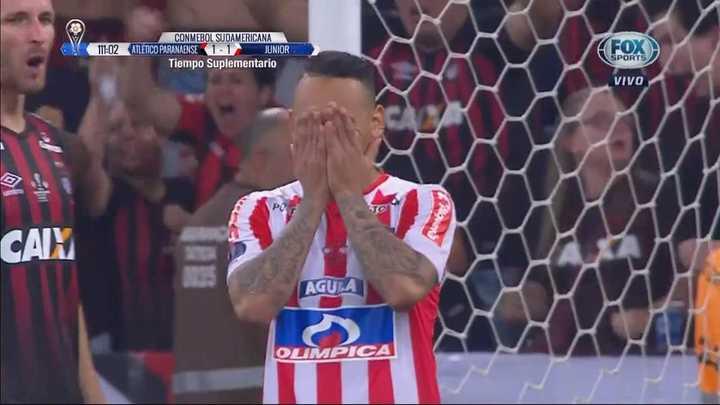 Jarlan Barrera falló un penal decisivo para Junior