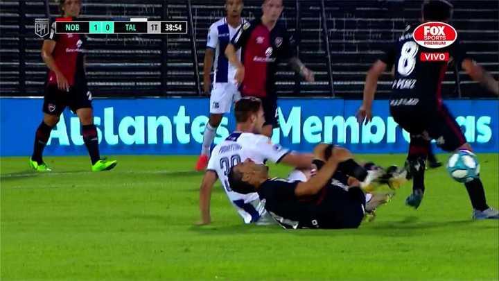 Una tremenda plancha a Maxi Rodríguez despertó el enojo de Scocco