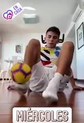 Thiago Almada tiró freestyle con la pelota