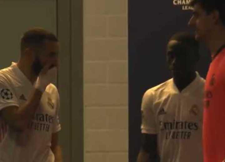 ¿Benzema pidió que no se la pasen a Vinicius?