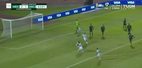Robertone clavó el 2-2 de Argentina vs. México