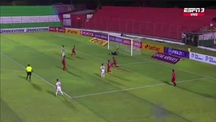 La noche soñada de Herrera: clavó tres goles