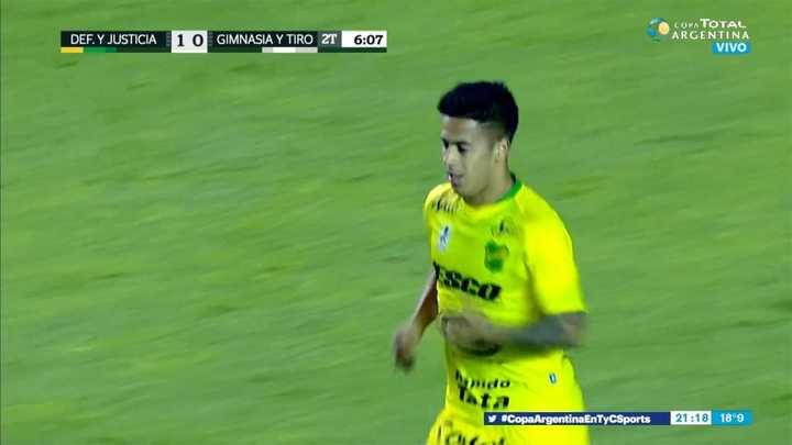 Nico Fernández se perdió un gol abajo del arco