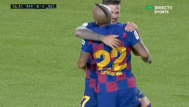 Arturo marcó el quinto de Barcelona