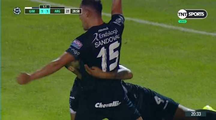Sandoval puso el 2 a 1 de Argentinos