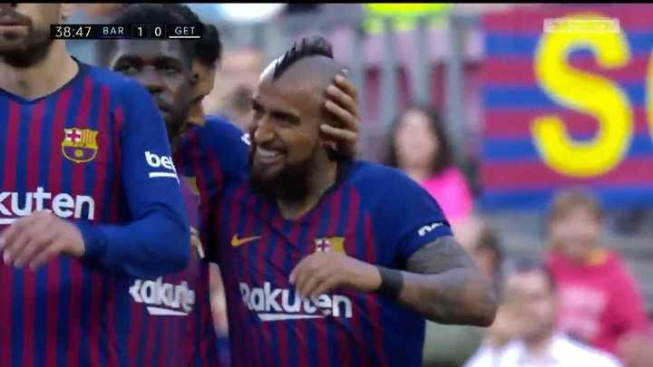 Vidal abrió la cuenta para el Barcelona