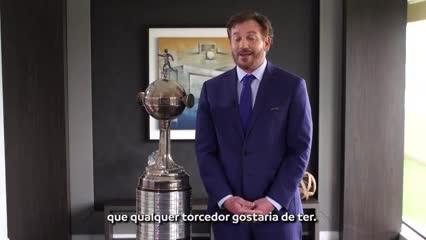 El desafío de la Conmebol a Maradona y Dani Alves