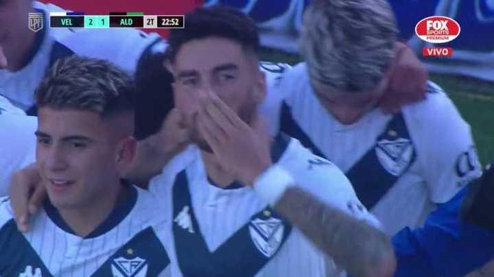 De penal, Lucero marcó el segundo del Fortín