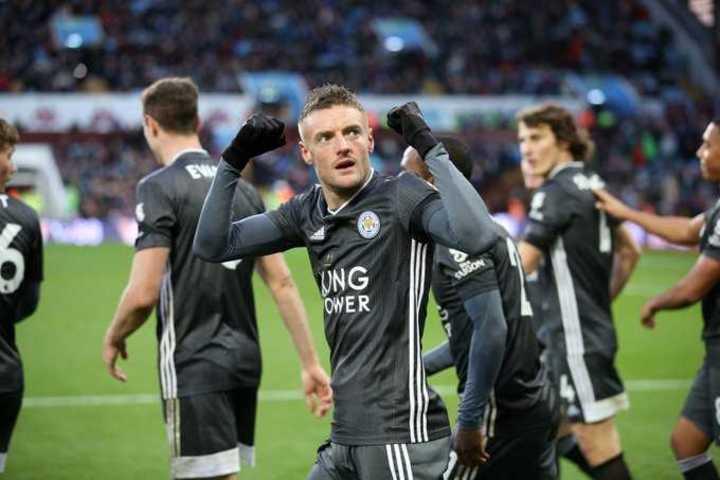 Doblete de Vardy para el 4-1 de Leicester ante Aston Villa