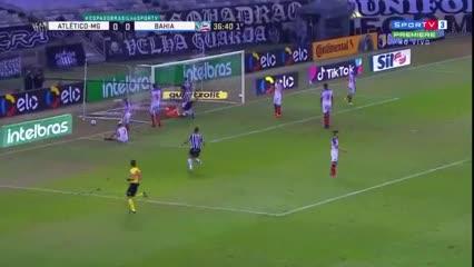 Mineiro le ganó 2-0 a Bahía