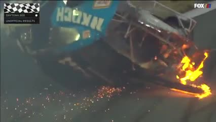 Impresionante accidente en NASCAR
