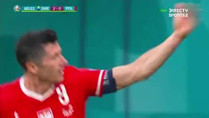 Lewandowski descontó para Polonia