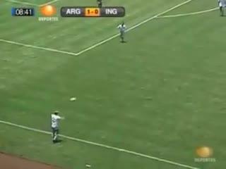 Toda la jugada previa del gol de Maradona a los ingleses