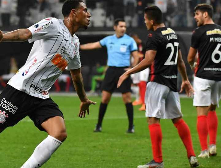 En San Pablo, Corinthians le ganó 2-0 a Deportivo Lara