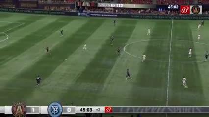 Marcelino Moreno convirtió un lindo gol