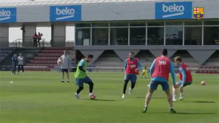 La calidad de Messi en la práctica: golazos y gambetas