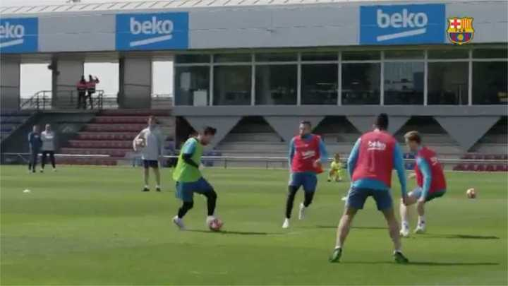 Magia de Messi en la práctica: golazos y gambetas
