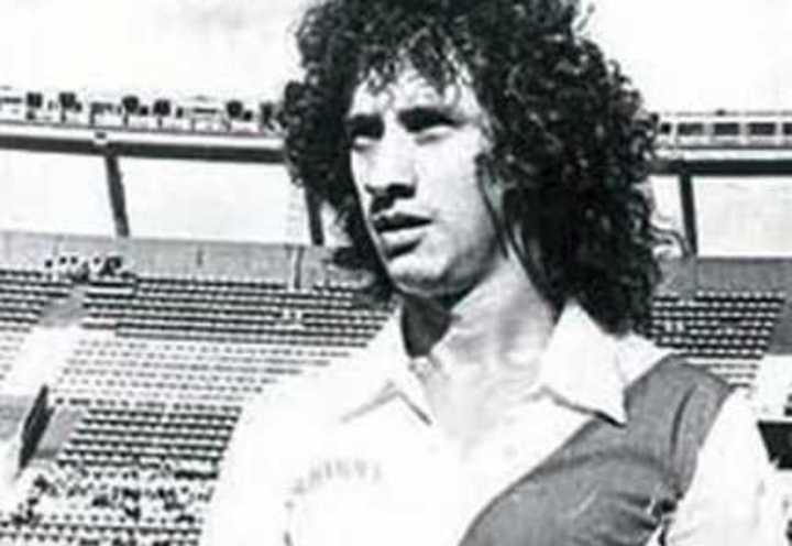 Carlos Randazzo, el ex jugador de Boca y River que hace envíos a domicilio