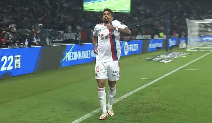Paquetá anotó frente al PSG