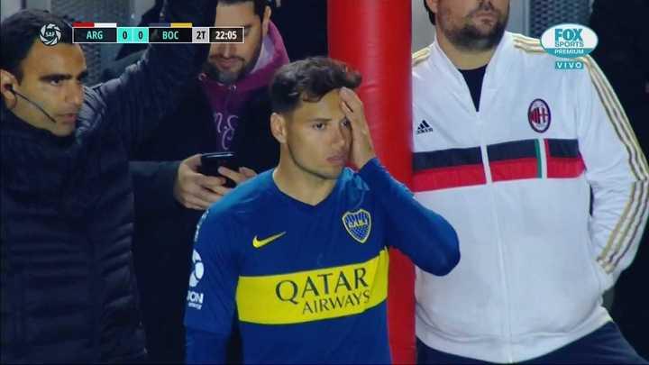 """Entró Zárate y los hinchas del Bicho empezaron a cantar: """"El que no salta es de Liniers"""""""
