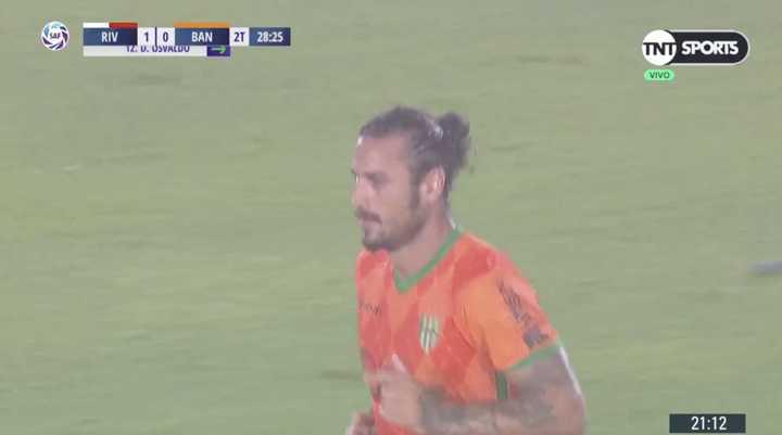 Osvaldo ingresó en el segundo tiempo