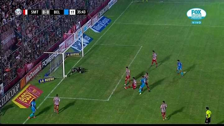 El palo le negó el gol a Belgrano