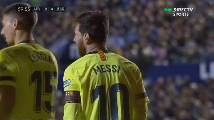 Messi se lleva otra pelota