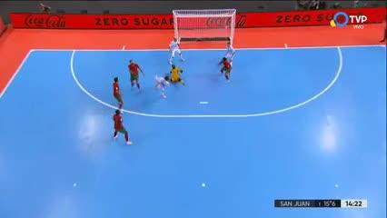 El palo le negó el gol a la Selección