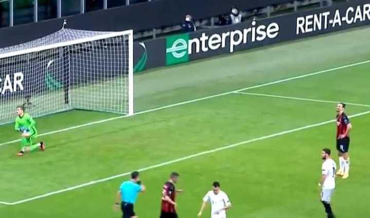 El penal que erró Ibrahimovic