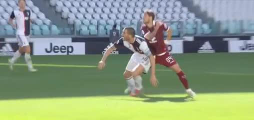 El llamativo gesto de Cristiano Ronaldo con Sarri