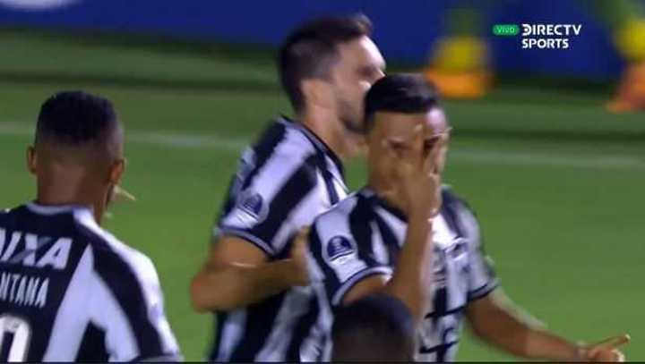 Erik marcó el 1 a 0 de Botafogo