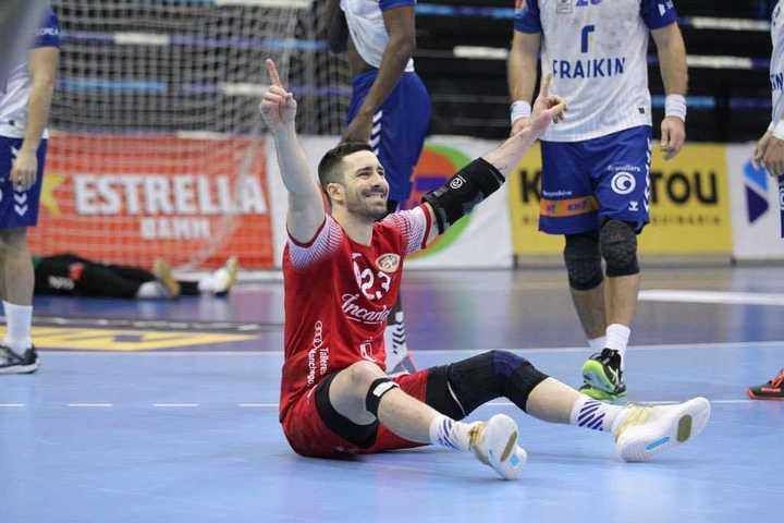 El festejo de Fede Pizarro después del golazo que definió el partido