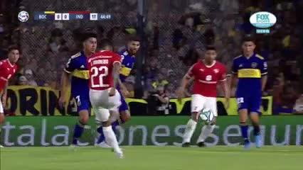 Marcos Díaz volvió a salvar a Boca