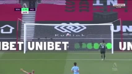 Error del City y golazo del Southampton