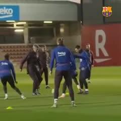 Setién se divierte jugando con Messi