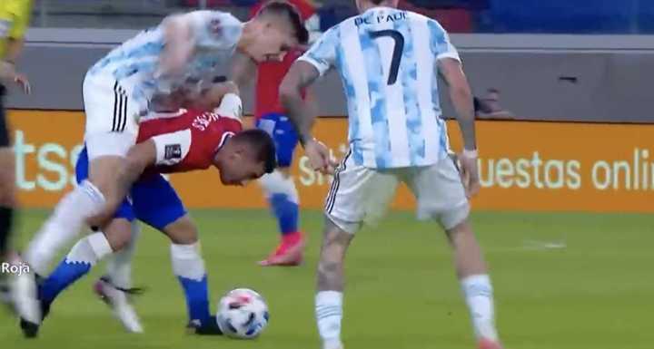 Los errores de Foyth contra Chile y Colombia