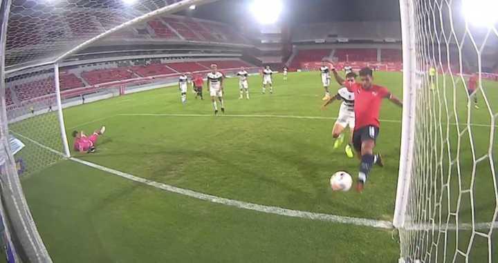 Romero aseguró el primer tanto para el Rojo