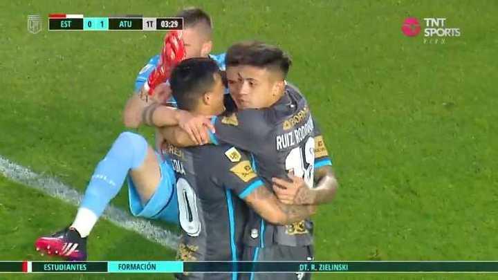 Atlético Tucumán se puso arriba con un gol en contra