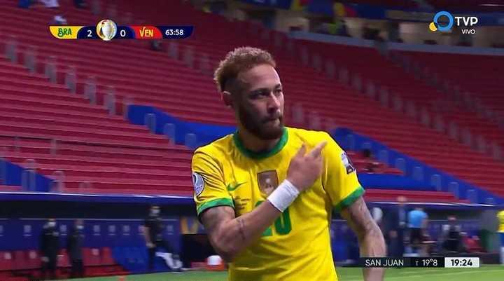 Neymar metió el segundo desde los doce pasos