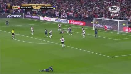 El palo evitó el empate de Jara sobre el final