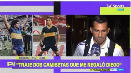 La otra camiseta histórica de Diego que tiene Tevez