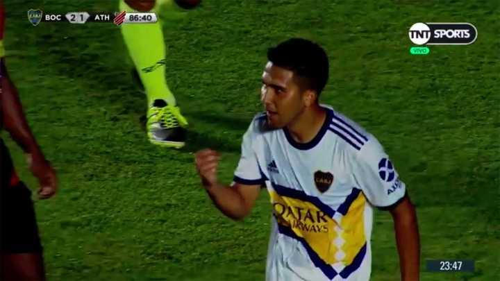 Bebelo marcó un golazo para el tercero de Boca
