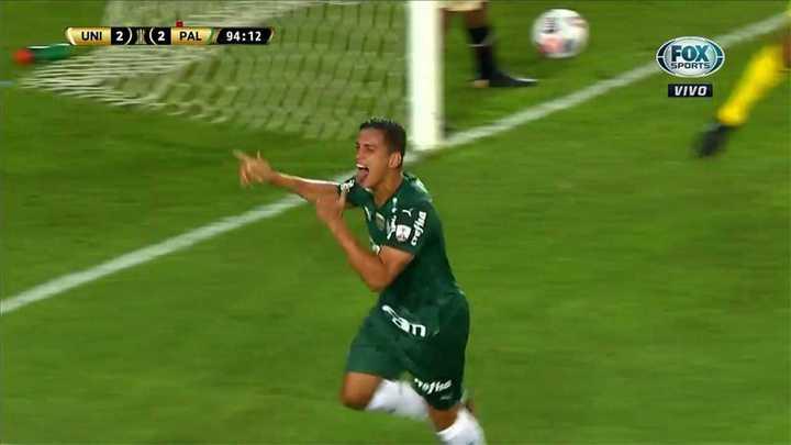Universitario 2 - Palmeiras 3