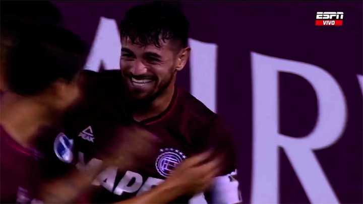 Lautaro Acosta se sumó a la goleada de Lanús