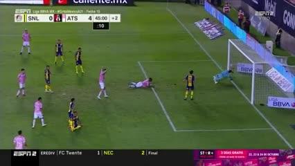 El Atlas de Cocca goleó 6-2 con tres goles por parte de jugadores argentinos