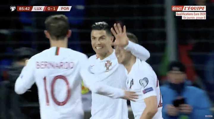 Cristiano Ronaldo selló el triunfo y convirtió su gol 99 para Portugal