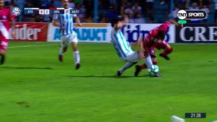Acosta dejó a Atlético con diez